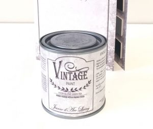 Vintage_paint_HIGH_GLOSS_VARNISH